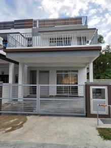 2 1/2 Storey new house for rent at Seremban