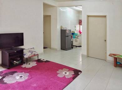 20% BELOW MARKET - 1ST FLOOR - FREEHOLD - PARKING - Akasia Apartment