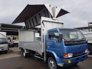 Nissan wing box (4x2)