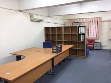 Ruang pejabat ukay perdana