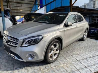 Mercedes Benz GLA180 SE (CBU) 1.6 (A)c
