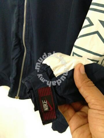 fab580cc43 Vintage nike 90s windbreaker - Clothes for sale in Kuala Terengganu ...