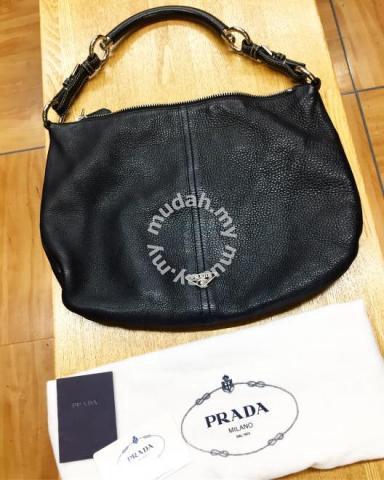 Authentic prada leather shoulder bag - Bags   Wallets for sale in Sri ... 9a00faed9af6c