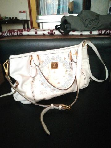 40187b0ddb04 MCM hand sling bag for let go - Bags   Wallets for sale in Bangi ...
