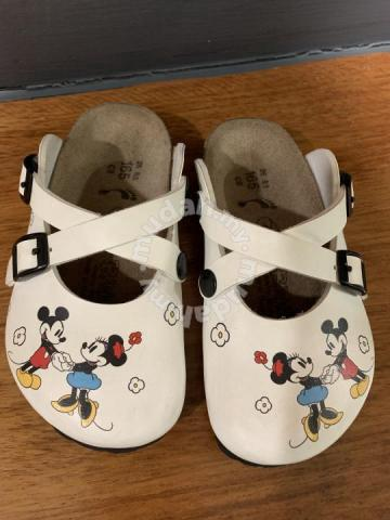 Minnie Mouse Birkenstock shoe