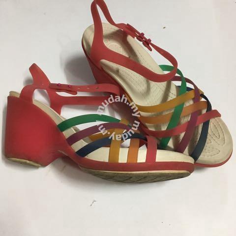 5173bc023d0d Wedges crocs - Shoes for sale in Jalan Ampang