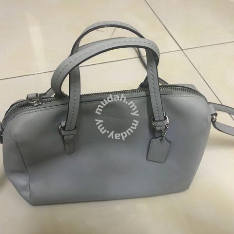 10b2e15163 Authentic Coach bag
