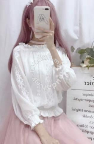 512c0e6f31d634 Lovely lacey white blouse - Clothes for sale in Kluang, Johor
