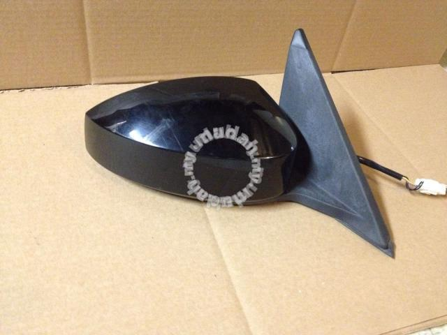 JDM Parts Side Mirror Nissan Failady 350Z RH - Car Accessories & Parts for  sale in Puchong, Selangor