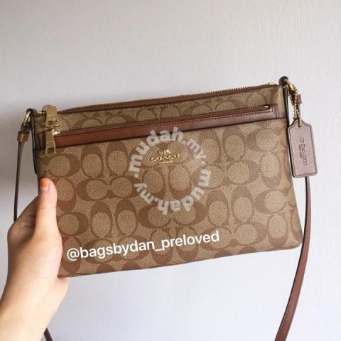 Authentic Coach sling bag - Bags   Wallets for sale in Georgetown ... 89d441ac113cf
