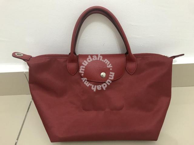 ff44afe95a7  AUTHENTIC  Longchamp Le Pliage Neo in Opera Red - Bags ...