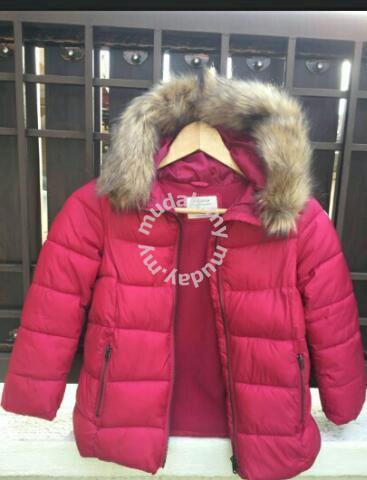 e8792cd5ad29 Zara Girls hooded winter jacket - Moms   Kids for sale in Kelana Jaya