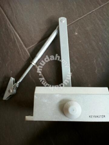 Automatic hydraulic door closer hinge - Home Appliances & Kitchen for sale  in Cheras, Kuala Lumpur