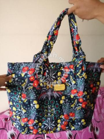 00372df837 Marc Jacobs Floral Print Tote Bag - Bags & Wallets for sale in Pandan ...