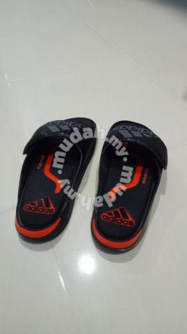 d8546bdaeb1 Selipar adidas original - Shoes for sale in Kota Bharu