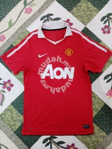 size 40 14216 06f2c Nike Manchester united 2010/2011 kit - Clothes for sale in Selayang,  Selangor