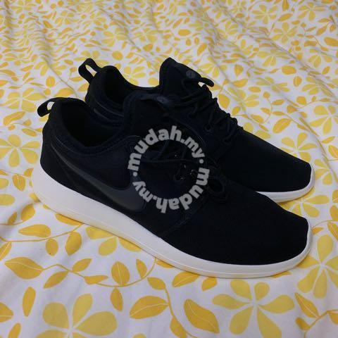 hot sale online d7041 9180b Nike Roshe 2 (NEW)