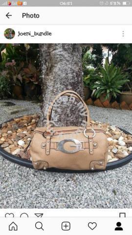 05f5f4cb3c30 Handbag guess - Bags   Wallets for sale in Kota Bharu