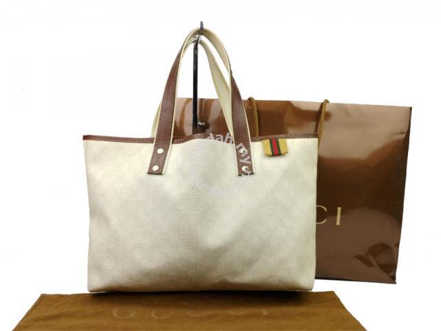 fe5bc613dcc8 Gucci GG Supreme Tote Bag 211134 - Bags & Wallets for sale in Sri ...