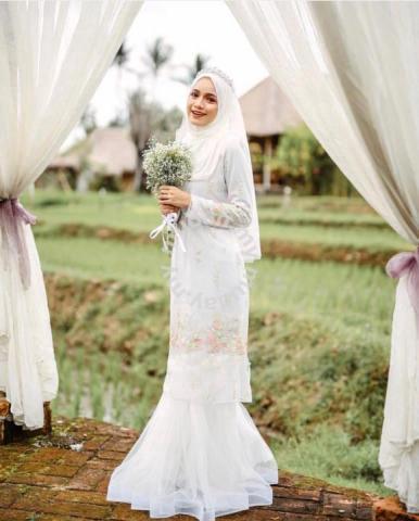 Baju Nikah Minimalace Carmen Size S - Wedding for sale in Bandar Tasik  Selatan 2868c110e2