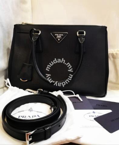 PRADA Saffiano Lux Tote - Bags   Wallets for sale in Johor Bahru 9816a594dfa31