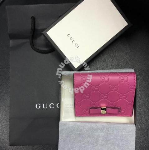 92c6f4a9169 Gucci Signature Card Case - Bags   Wallets for sale in Cheras
