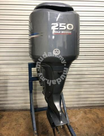 Yamaha outboard engine 250hp 4s - Other Accessories & Parts for sale in  Johor Bahru, Johor
