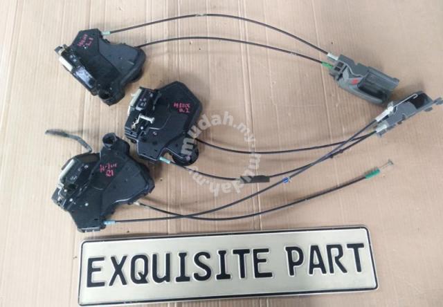 Toyota Innova door lock actuator motor - Car Accessories & Parts for sale  in Klang, Selangor
