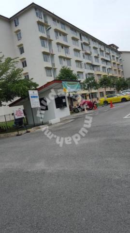 Dengkil Taman Topaz Apartment (Wetland)24 Hrs security