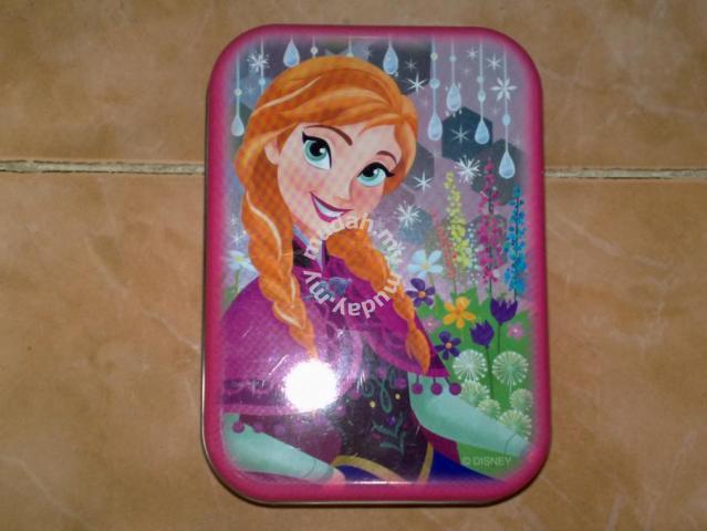 Kotak frozen disney tin box