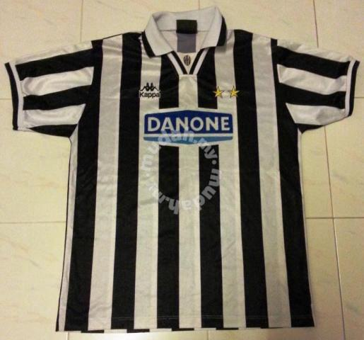new concept 44312 801e5 RARE Juventus Home Classic Jersey Danone Medium - Sports & Outdoors for  sale in Old Klang Road, Kuala Lumpur