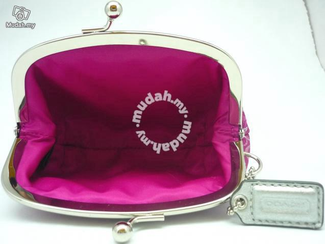 3ccc4737e42c Coach Pink Signature Coin Purse Kisslock -F60505 - Bags   Wallets for sale  in Bayan Lepas