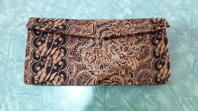 Batik purse