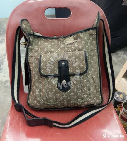 b6681b707 Cross Body Louis Vuitton (LV) - Bundle - Bags & Wallets for sale in Wakaf  Baru, Kelantan