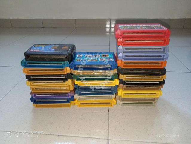 Famicom game cartridge
