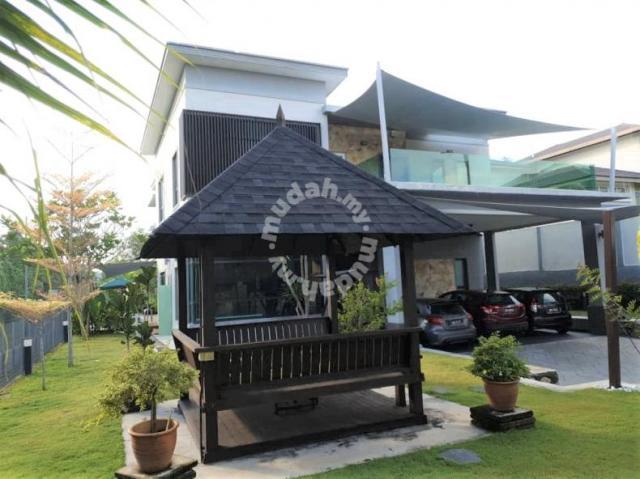 CORNER LOT 2 Storey Bungalow Putra Hill Residency, BSP Bangi