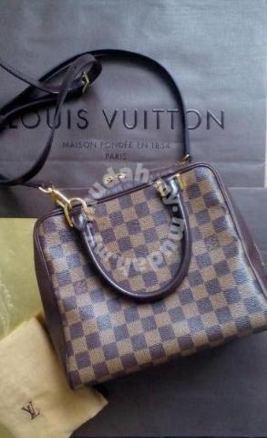 Louis Vuitton sling bag LV handbag beg tangan lv - Bags   Wallets for sale  in Gombak 51a19b966b9df