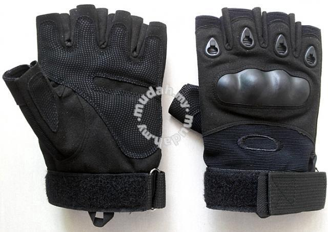 Oakley factory pilot tactical half glove - Sports & Outdoors for sale in  Pulau Tikus, Penang