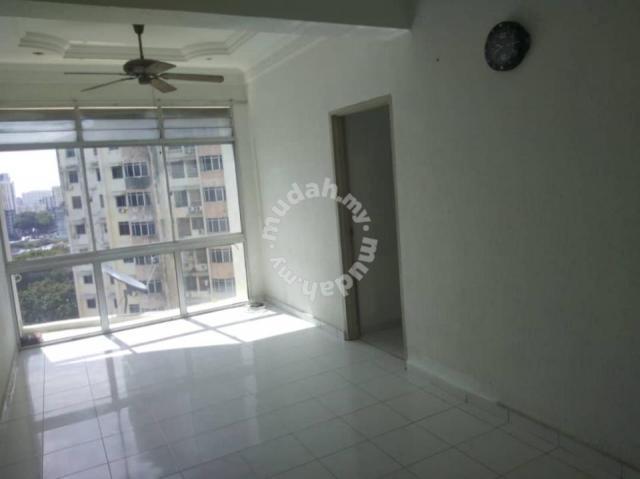 2 Bed 2 Bath 1 Carpark Apartment In Relau For Rent Apartments For Rent In Relau Penang Mudah My