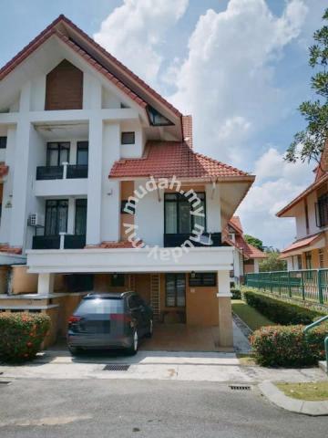 END LOT 2.5 Storey Terrace Presint 18 Putrajaya
