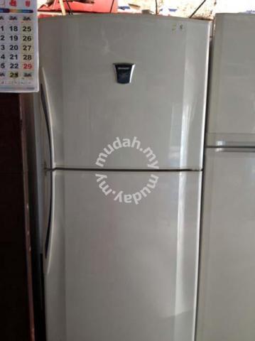 Sharp Fridge Refrigerator 2 Pintu Peti