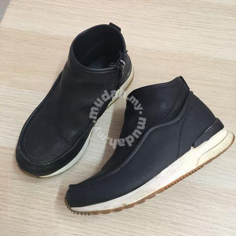 size 31 kids shoe