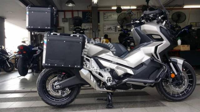 gsadv side top box aluminium honda x adv 750 motorcycle accessories parts for sale in shah. Black Bedroom Furniture Sets. Home Design Ideas