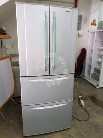 Panasonic Fridge Peti Sejuk Ais
