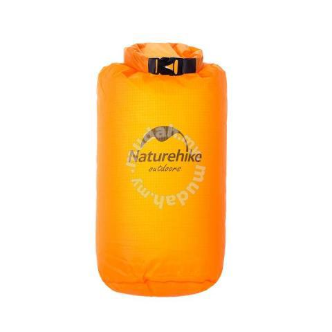 e8a98cb5c2f0 NATUREHIKE WATERPROOF DRY BAG 10L (100% Authentic) - Bags   Wallets for sale  in Cheras