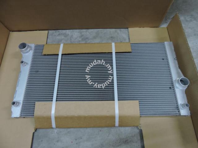 Bmw 5 Series F10 N55 535i Auto Radiator Berh Car Accessories