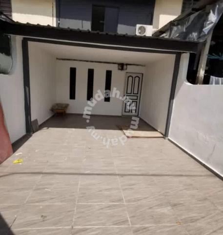 Megaria Rumah Murah Yang Paling Cantik Kitchen Extended New Painting Houses For Sale In Permas Jaya Johor Mudah My