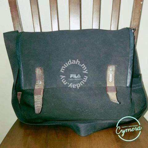 Messenger Bag FILA Collezioni - Bags   Wallets for sale in Wakaf Baru bea2e186aa982