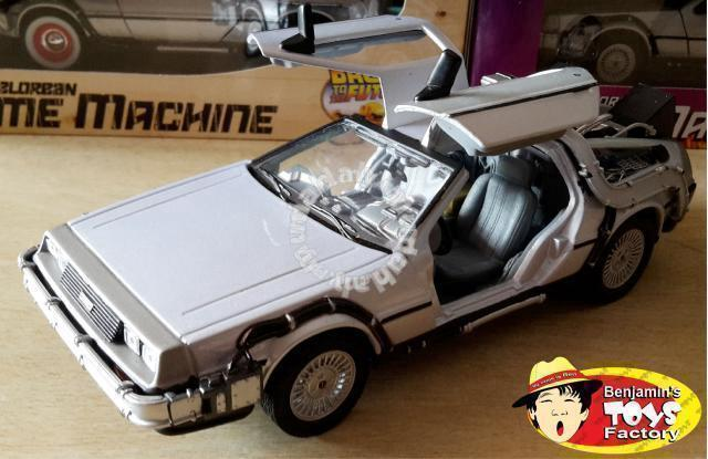 1 24 back to the future 2 delorean time machine hobby collectibles for sale in klang selangor. Black Bedroom Furniture Sets. Home Design Ideas