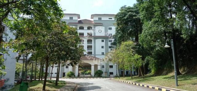 Sri alam condominium corner unit, shah alam